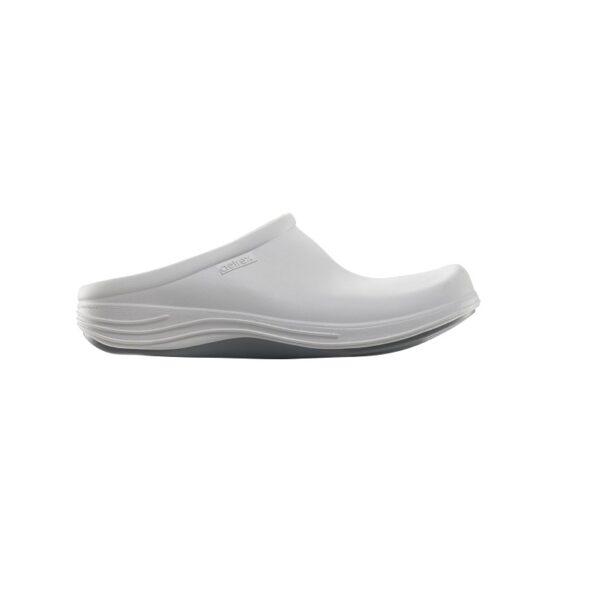 Дамски ортопедични чехли клогс цвят бял