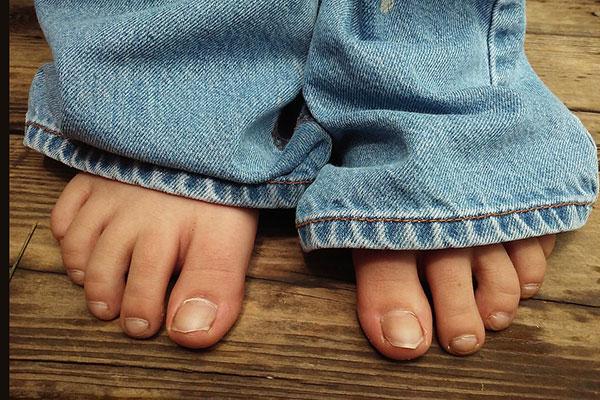 Нокти на краката